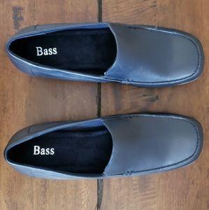 Bass shoes 8M